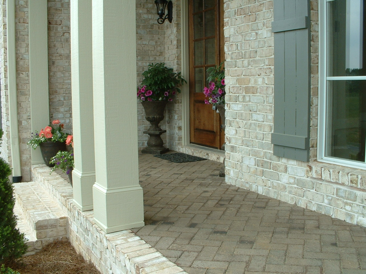 Chesapeake Pearl - White Mortar - Old Mill Pavers