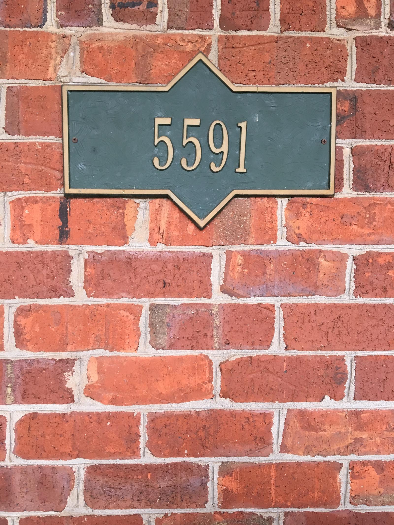 selecting-brick-involves-driving-around