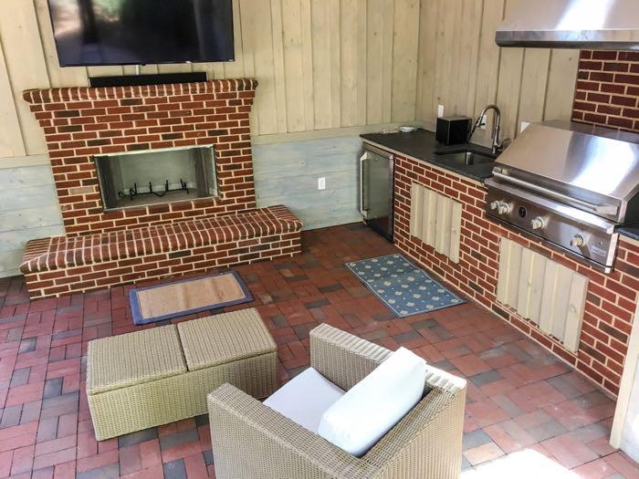 Indoor-outdoor kitchen with brick pavers